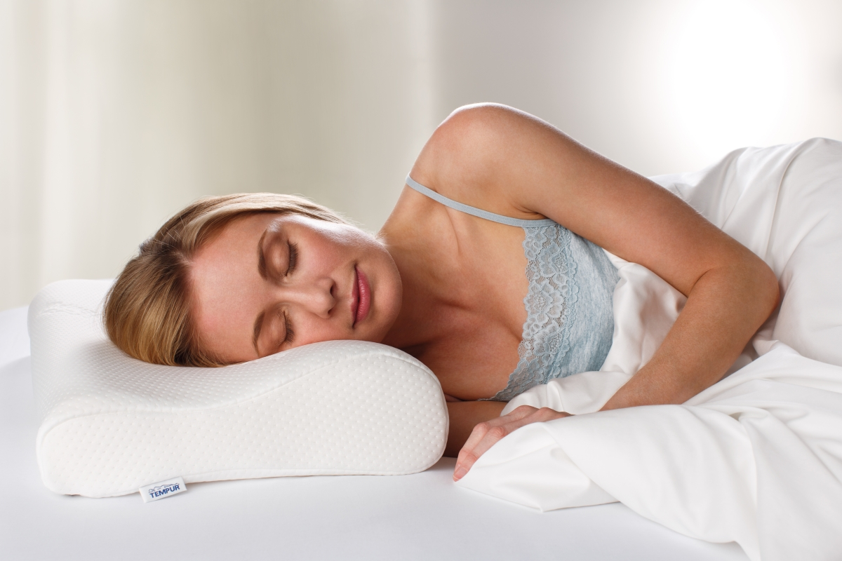 TEMPUR Original Ergonomic Pillow with model